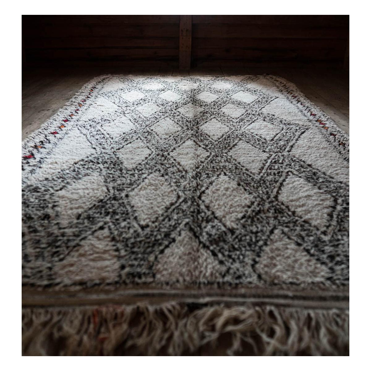 Marmoucha rug